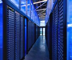 datacenter-lights-from-racks